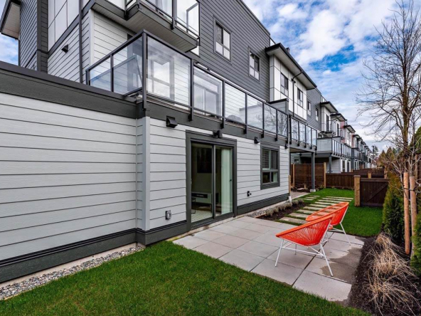 cinema district townhomes abbotsford 4