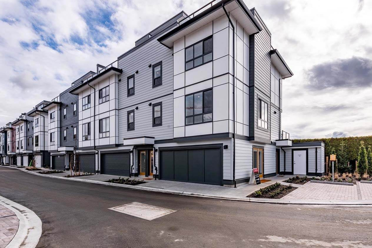 cinema district townhomes abbotsford 5